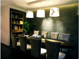 160平中式風格4居室装修,仿古砖墙文化石背景墙,绚丽灯光映射多彩生活