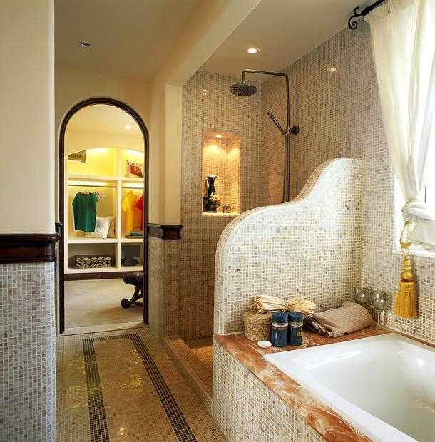 地中海风格卫生间马赛克背景墙装修效果图-地中海风格浴缸图片