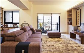 狹隘的公共區域轉化成為無壓的舒適住宅,魔術般的空間應用