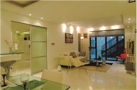 極致的簡約純色小別墅,80后富二代的創意選擇