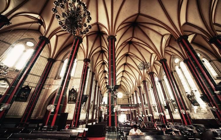 哥特式风格教堂装修图片