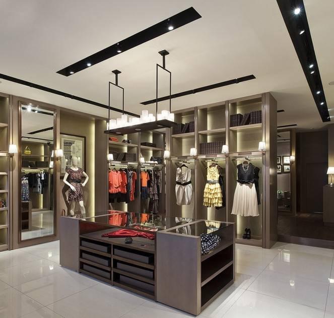 现代风格小型服装店吊顶装修图片-现代风格展台图片