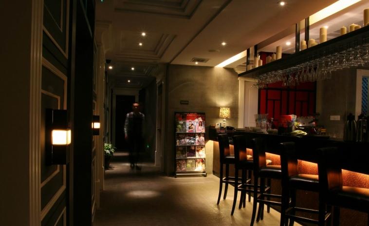 奶茶店吊顶装修效果图-地中海风格餐边柜图片  免费领取设计方案免费