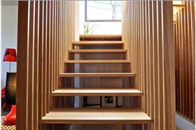 实木楼梯正面设计图片