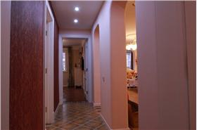 美式乡村风格三居室走廊装修图片