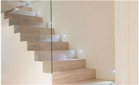 简单自然的loft公寓楼梯设计