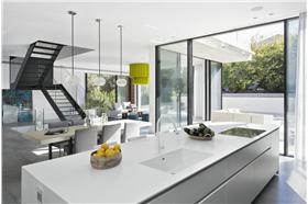 白色简洁北欧厨房橱柜